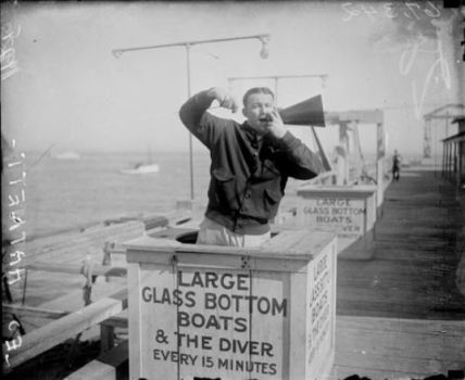 The Cubs' Leo Hartnett takes in the Catalina sights.SDN-067342, Chicago Daily News negatives collection, Chicago History Museum.