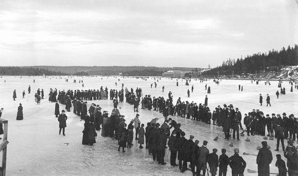 Curling_on_a_lake_in_Dartmouth,_Nova_Scotia,_Canada,_ca__1897